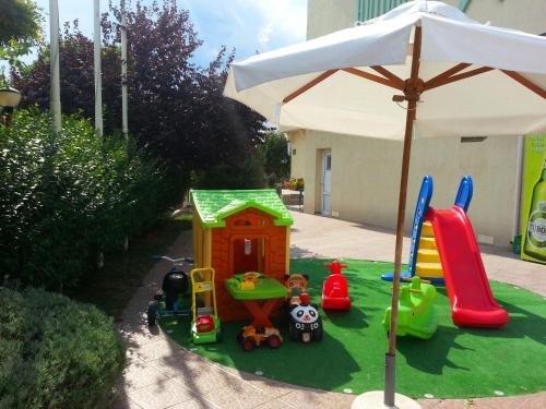 Menada Julia Apartments - фото 7