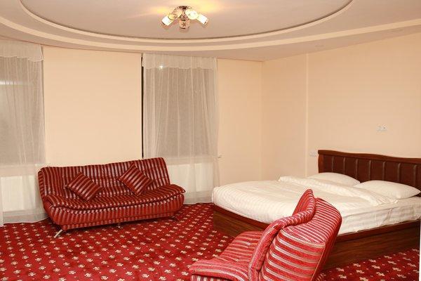 Гюмри Отель - фото 1