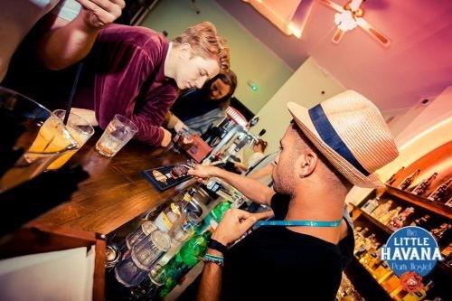 The Little Havana Party Hostel - фото 9