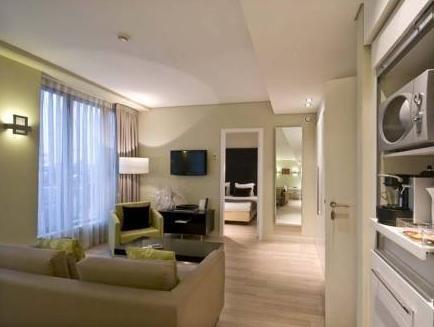 B-aparthotel Grand Place - фото 6