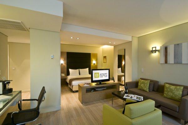 B-aparthotel Grand Place - фото 8