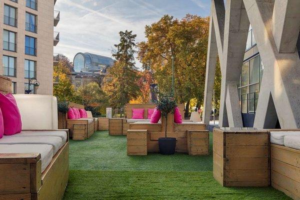 Aloft Brussels Schuman EU Hotel - фото 20