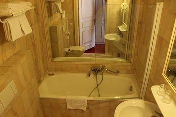 Hotel Matignon Grand Place - фото 10