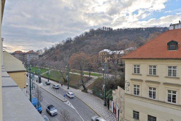 Apartment Serikova Mala Strana - фото 15