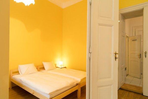 Apartment Serikova Mala Strana - фото 4