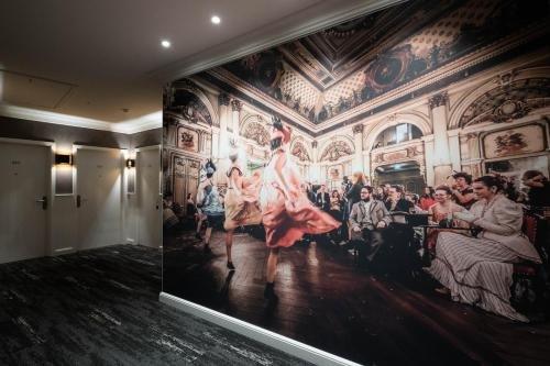 Hans Memling Hotel - фото 11