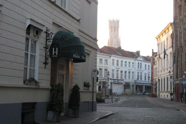 Hans Memling Hotel - фото 22