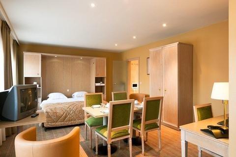Aragon Apartments - фото 12