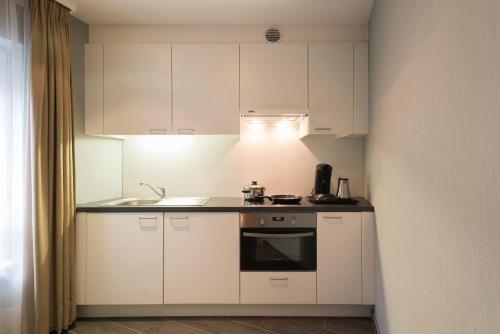 Aragon Apartments - фото 19