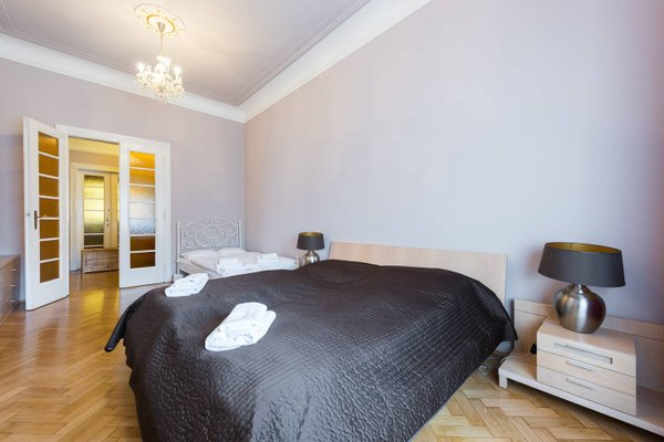 Wenceslas Square Apartment - фото 10