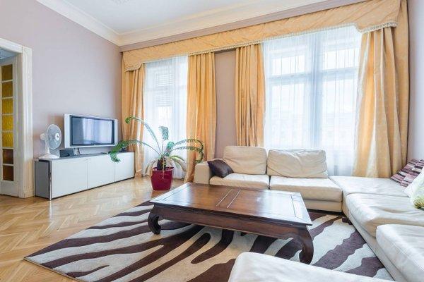 Wenceslas Square Apartment - фото 4