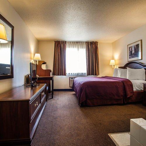 Photo of Quality Inn & Suites Eldridge Davenport North