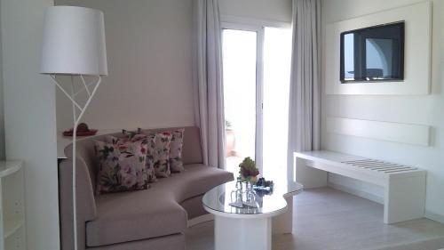Hotel Al Mandari - фото 4