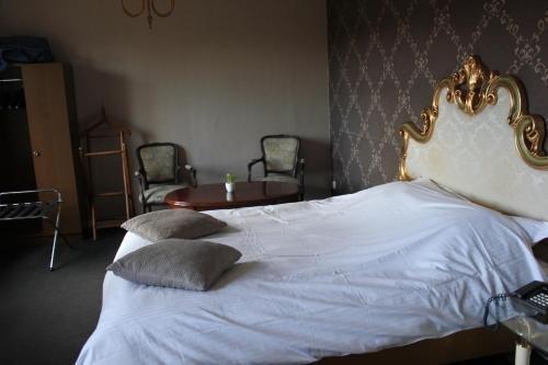 Hotel Lodewijk Van Male - фото 1