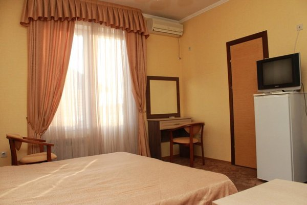 Отель Лазурный Адлер - фото 1