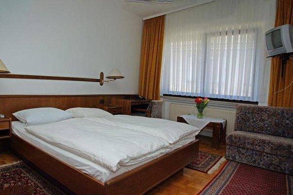 Hotel Alte Brucke - фото 2