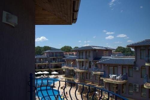 Garden Beach Apartment - фото 11