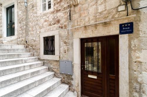 Apartment La Marina - фото 24