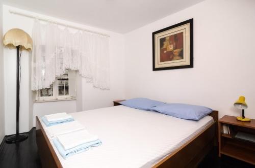 Apartment La Marina - фото 10