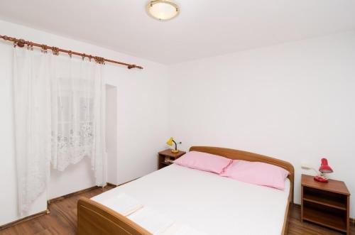 Apartment La Marina - фото 11