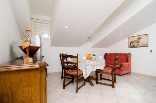Apartment La Marina - фото 12