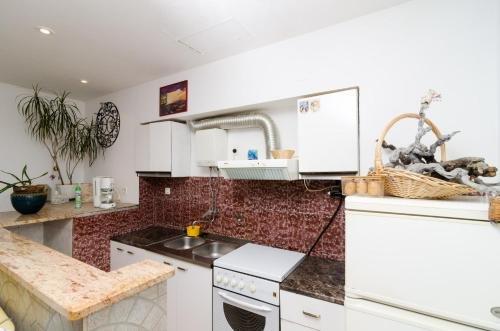 Apartment La Marina - фото 15