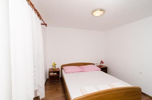 Apartment La Marina - фото 9