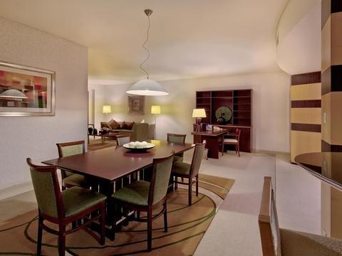 Shangri-La Apartments - фото 12