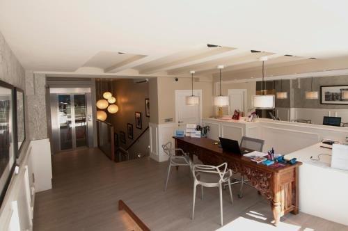 Serennia Exclusive Rooms - фото 14