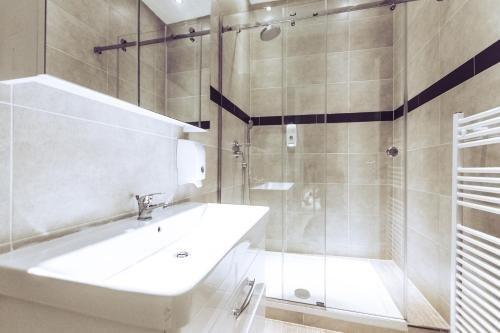 Aurellia Apartments - фото 10