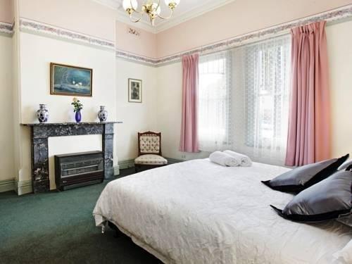Гостиница «Lislea House Self Contained Accommodation», Колак