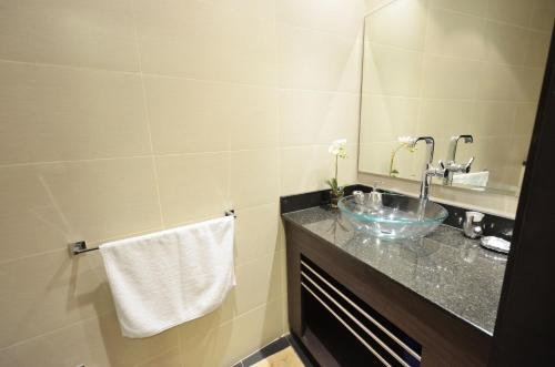 Key One Homes - Cayan Tower - фото 19