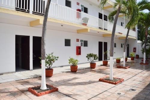 Hotel Las Brisas - фото 13