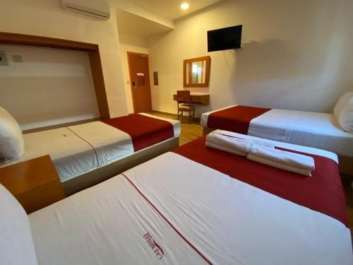 Hotel Las Brisas - фото 2