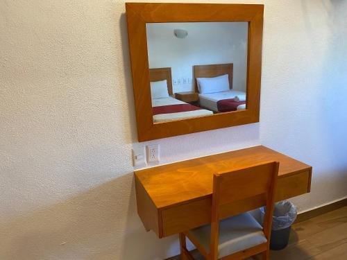 Hotel Las Brisas - фото 3