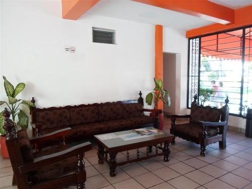 Hotel Las Brisas - фото 4