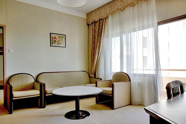 Отель «Самшитовая Роща», Пицунда