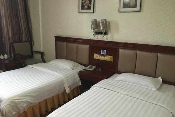 Golden Coast Hotel - фото 1