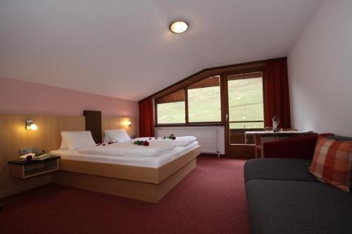 Hotel Garni Tirol - фото 2
