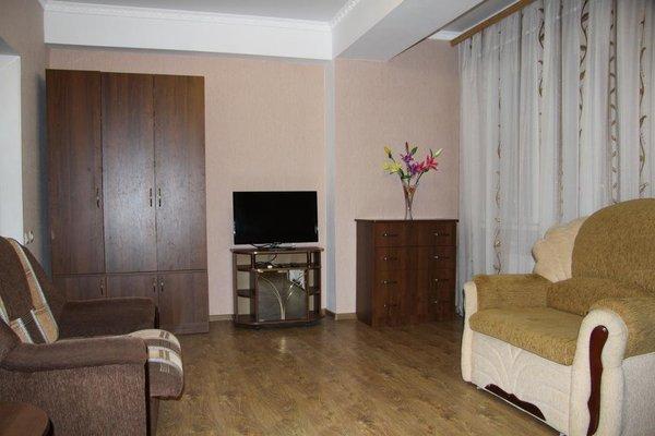 Apartment On Tolstogo - фото 4