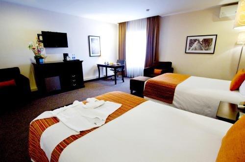 Plaza Camelinas Hotel - фото 1
