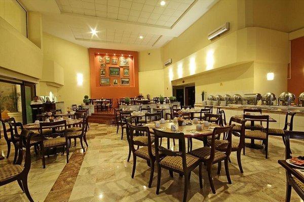 Plaza Camelinas Hotel - фото 9