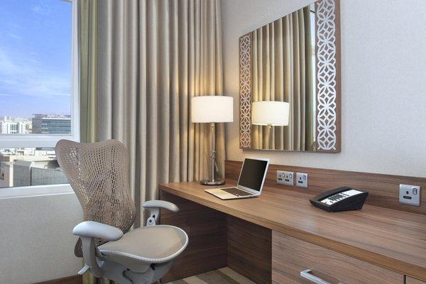 Hilton Garden Inn Dubai Al Muraqabat - фото 1