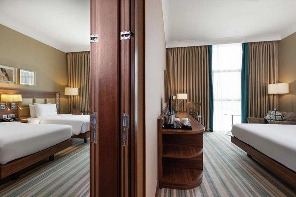 Hilton Garden Inn Dubai Al Muraqabat - фото 2