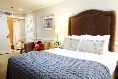 THE OLIVER HOTEL, Ноксвилл