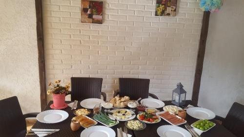 Guest House Elene - фото 12