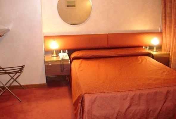 Hotel Cristal - фото 3