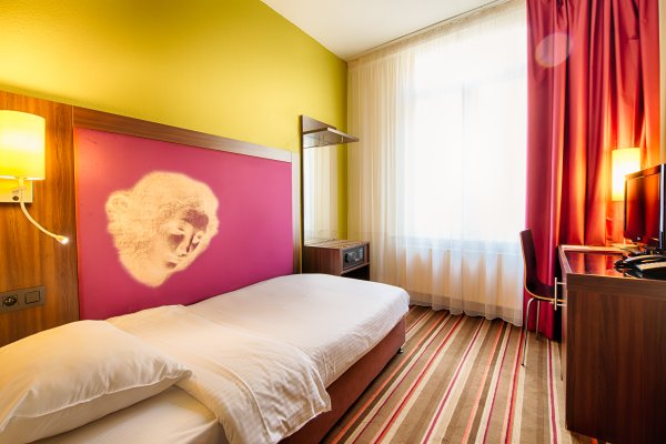 Leonardo Hotel Antwerpen - фото 2