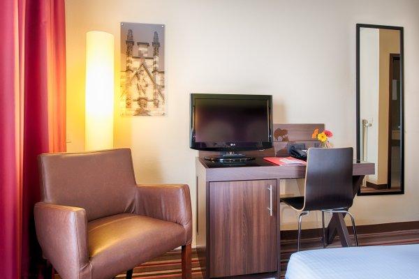 Leonardo Hotel Antwerpen - фото 4