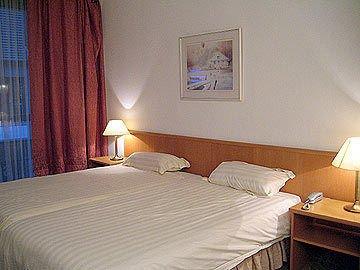 Hotel Keyserlei - фото 4